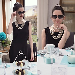 Claire H -  - Breakfast at Claire's  🕶 🎀