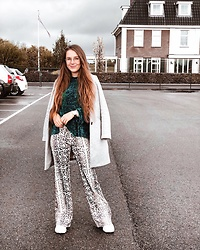 Vera Vonk - Bershka Flared Pants, Pull & Bear Velvet Sweater, Zara Coat - Snake