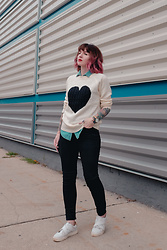 Jessie Bee - Amazon Heart Sweater, Urban Outfitters Denim Shirt, Madewell Denim, Calvin Klein Sneakers - V♡TE
