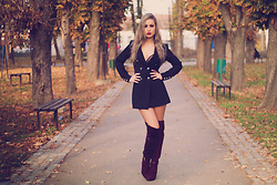 Aevoulette Benssalconia - Studio Queen Jtns Dress Coat, B Shoes Burgundy Boots - Black as night, sweet as sin