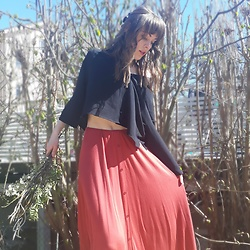 Natalie Persson - Boohoo Maxi Skirt, Monki Button Up - Fall maxi