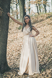 Aevoulette Benssalconia - Beautiful Garderoba Dress, Fashion Nova Necklace, Fashion Nova Bracelet - Fall in the Forest
