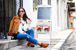 Alexandra Alexandridou - Gamiss White, Floral Sweater, Gamiss Jeans, Gamiss Camel Ankle Boots, Lee Camel Jacket, Le Pandorine Black Bag - Coffee break