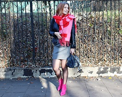 Aleksandra Siara - H&M Scarf, Even&Odd Shoes - Pink boots