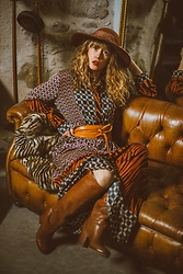 Alexe Bec - Y.Two Fashion Dress, Vic Matié Boots, Pieces Belt - Golden Home