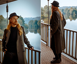 Maik - Menil Hat, Hugo Boss Coat, Cos Shirt, The Kooples Leather Pants, G Star Raw Bootes - Autumn look with coat and leather trousers