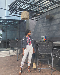 Oroma Roxella Rukevwe - Miss Selfridge Crop Top, Zara Jeans, Asos Denim Jacket - #VRW2018