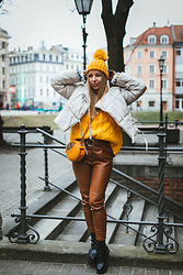 Anna Turanova - Parfois Bag, Reserved Boots, Reserved Sweater, Bershka Pants, Mākonis Jacket - Riga City look