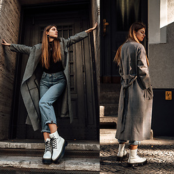 Jacky - Levi's® Baggy Jeans, Dr. Martens Boots, Weill Paris Coat - Autumn Outfit: White Boots, Baggy Jeans and Checked Coat
