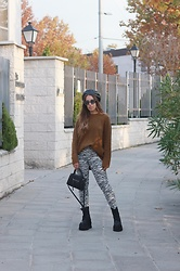 Claudia Villanueva - Zara Beret, Zara Sweater, Zara Jeans, H&M Bag, Un Paso Mas Boots - Fall Animal