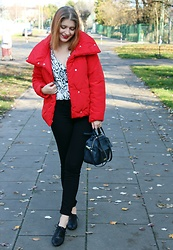 Aleksandra Siara - H&M Blouse - Little red jacket