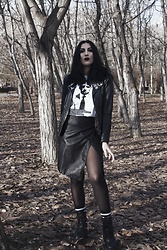 Ellone Andreea - Pull & Bear Faux Leather Jacket, Saros Collective Lovecraft T Shirt, H&M Faux Leather Skirt, Bershka Stipped Socks, Killstar Broom Rider Boots, Sheer Tights - Lovecraft