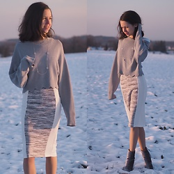 Claire H - H&M Knit, H&M Dress, Dorothy Perkins Boots - Winter Wonder Land