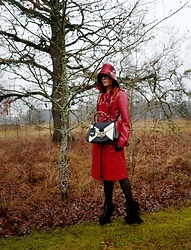 The wardrobe of Ms. B - Topshop Rain Coat, Gucci Bag, Gucci Hat, Gucci Tights - Lady in red
