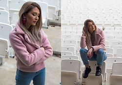 Sofija Surdilovic - Shein Pink Teddy Jacket, Nike Black - Pinked it!