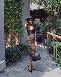 Giuliana ♡ - Gucci Black Bag, Guess Black Pumps, Leopard Skirt, Zara Cropped Lace Top, Bimba Y Lola Hat - Meow 🐯