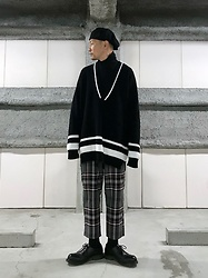 ★masaki★ - Newyorkhat Casquette, Zara Knit, Dog Pile Plaid Pants, Dr. Martens 3hole - Oversized