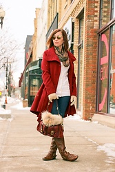 Lindsey Puls - Steve Madden Coat, Coach Bag - Staying Warm