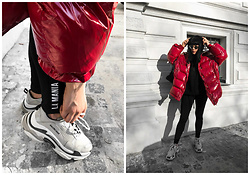 Izabela - Zara Red Oversize Jacket, La Mania Sporty Leggins, Balenciaga Triple S Sneakers, Zara Black Hoodie, Christian Dior So Real Sunnies - LA MANIA LEGGINS + BALENCIAGA SNEAKERS