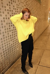 Anna Borisovna - Other Stories Sweater, H&M Pants, Céline Shoes, Céline Belt - Yellow Mellow