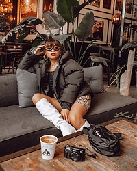 Mscrisssy B - Misslola, Missguided - Coffee break