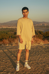 Johnny P - Zara Off White Oversize T Shirt, H&M Off White Shorts, Zara Off White Socks With Orange & Dark Blue Lines, Vans White Authentic - Summer look