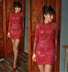 Jointy&Croissanty © - Femmeluxefinery Dress - Red sequin dress