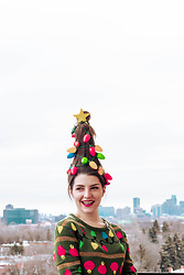 Lyzie McCake - Ardene Pull - Christmas Tree Hair