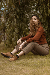 Gabby Chia - Brandy Melville Usa Brown Checked Pants, Dynamite Ribbed Cardigan Top, Asos Leather Brogues, Rosefield West Village Watch - New Zealand