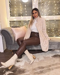 Jasmin Lamia - Missyempire Teddy Coat, Prettylittlething Leather Pants, Justfab Boots - Cold days