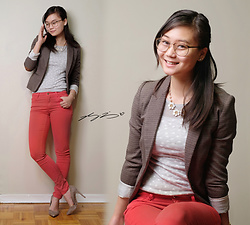 L Z - H&M Blazer, Express Knit, Massimo Dutti Pants, Marciano Heels - Holiday Office Potluck