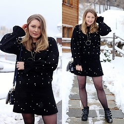 Ania K. [www.overdivity.com] - Bag, Black Dress, Shoes - Snow and pearls
