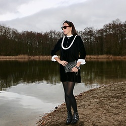 Carmen Adan - Zara Velvet Dress, Chanel Bag, Maje Boots, Celinè Sunglasses - VELVET DRESS