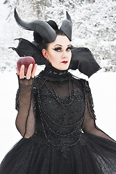 Ventovir -  - The Evil Queen Look