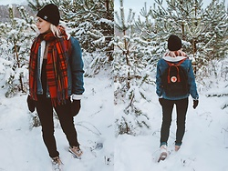 Saule S - Adidas Beanie, Primark Denim Jacket, New Look Tartan Scarf, H&M Black Dungarees, Timberland Boots, Fjallraven Kanken Backpack - Winter wonderland