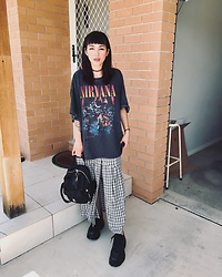 Joyce Chung - Windsor Smith, Urban Outfitters Vintage T, Dr. Martens - 2019 New year OOTD