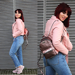 Carina Gonçalves - Zara Leather Jacket, Victoria's Secret Backpack, Pull & Bear Jeans, New Balance Sneakers - Tell me something, boy Aren't you tired