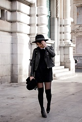 Camillemourey - Minelli Shoes, Zara Dress, Mango Perfecto, H&M Scarf, Pimkie Hat - Black and white