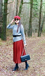 Carmen Adan - Dresslily Skirt, Chanel Bag, Zara Cap, Celinè Sunglasses, &Otherstories Top - LOVE RED SKIRT
