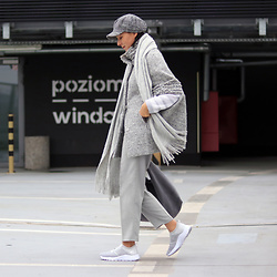 Minimalissmo .. - Bag, Sport Shoes - Grey and... grey :)