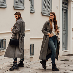 Jacky - Weill Paris Coat, Comma Sweater, Levi's® Jeans, Dr. Martens Boots, Agneel Bag - Casual Outfit Idea: Blue Jeans and Long Coat