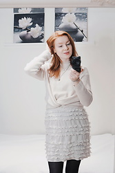Vanessa Vilhelmiina - Cubus Knitted Sweater - White and ruffles