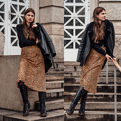 Jacky - Minimum Jacket, St. Cloud Sweater, & Other Stories Midi Skirt, Santoni Boots - Winter Look: Midi Skirt, Shearling Jacket and Leather Boots