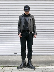 ★masaki★ - Kollaps Industrial, Ch. Leather, Neuw Denim Jeans, Dr. Martens Boots - All Black Everything