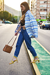 Lara Siles - Vintage Shirt, Pull & Bear Jeans, Massimo Dutti Heels - SOMEWHERE IN THE CITY