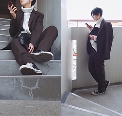 Yuko Tanaka - Gu Tailored Jacket And Pants, H&M Knit Top, Converse Sneakers, Secondhand Clutch Bag - Men's wear