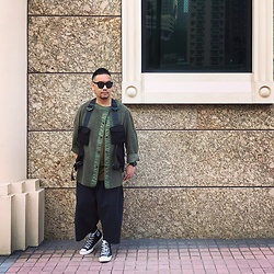 Mannix Lo - Vintage Military Inner Jacket, Online Shop Functional Vest, H&M Tee, Niko And... Wide Pants, Converse Chuck Taylor 70 Sneakers - No great thing is created suddenly