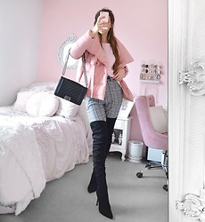 Tia Mcintosh - Full Outfit Video, Shein Checkered Pants, Pink Puffer Jacket, Gojane Black Suede Otk Boots - Cozy look