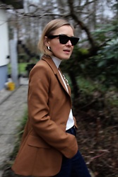 Anna Borisovna - H&M Jacket, Céline Sunglasses - The Brown Blazer