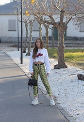 Claudia Villanueva - Bershka Sweatshirt, Bershka Jeans, H&M Bag, Buffalo London Sneakers - Hot Wheels